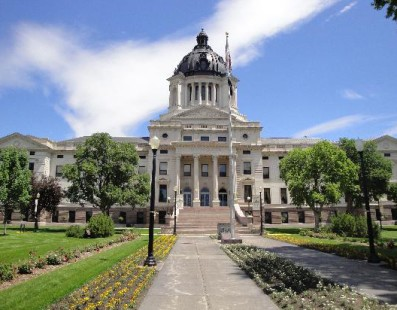 South Dakota bill revises qualifications for consumers power district directors